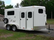 6ft X 16ft Aluminum 2 Horse Trailer w/Huge Dressing Room, Insulated Ceiling!!