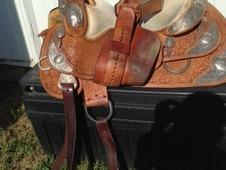 Silver Mesa Western Show Saddle, 16 in seat, full quarter horse bars