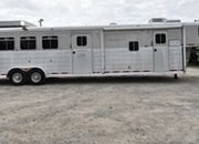 Used 2007 Logan Coach 4 Horse Trailer with 14' Short Wall