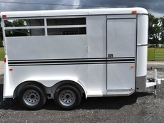 New 2019 Bee 2HBPSLDLX 2 Horse Trailer with 2' Short Wall