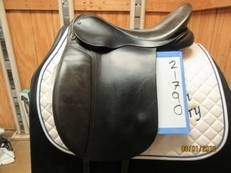 "Frank Baines Capriole Used Dressage Saddle 17"" W"