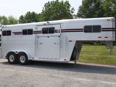 2000 4-Star 2+1 Deluxe w/ 5'ft Side Ramp