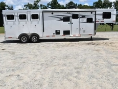 New 2019 Lakota 7311LQ Charger 3 Horse Trailer with 11' Short Wall