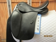 "Toulouse Aachen Genesis Used Dressage Saddle 17.5"" Adj."