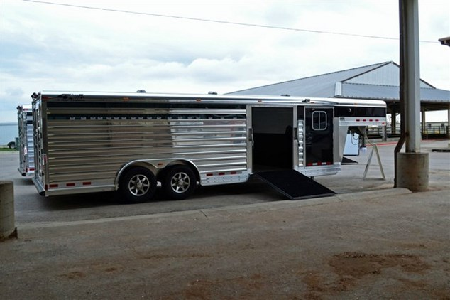 4-Star 24' Show Stock with 4' Tack Room