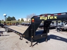 2018 BIG TEX 22GN-28+5 EQUIPMENT TRAILER