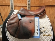 "Devoucoux Oldara Used Close Contact Saddle 17.5 ""M"