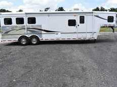 Used 2005 Bison 8310LQ 3 Horse Trailer with 10' Short Wall