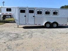 Used 2000 Featherlite 7304MTGN 3 Horse Trailer with 4' Short Wall
