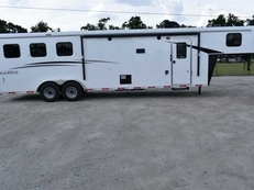 New 2019 Bison Trail Hand 7310BD 3 Horse Trailer with 10' Short Wall