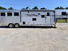 New 2019 SMC SL8313SSR 3 Horse Trailer with 13' Short Wall