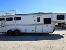 Used 2000 CM 7307GNLQ 3 Horse Trailer with 7' Short Wall