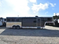 New 2018 Bison Laredo 8311 3 Horse Trailer with 11' Short Wall