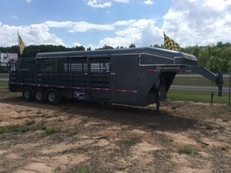 2015 Gooseneck Brand 28' Catch trailer~