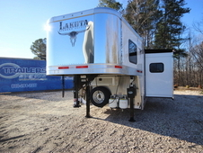 2017 Lakota Trailers BIGHORN 3-Horse w/16ft Living Quarter BH8316SR