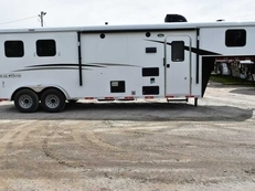 New 2018 Bison Trail Hand 7208 2 Horse Trailer with 8' Short Wall