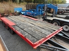 1972 DYNAWELD FLATBED EQUIPMENT TRAILER
