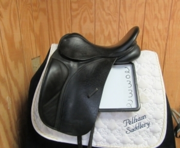 County Connection Used Dressage Saddle 17