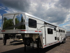 2017 Lakota Trailers CHARGER 4-Horse w/14ft Living Quarter C8414