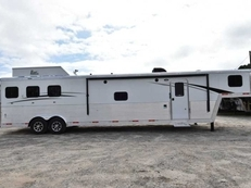 New 2019 Bison Laredo 8316SODR 3 Horse Trailer with 16' Short Wall
