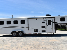 New 2018 Bison Trail Hand 7408 4 Horse Trailer with 8' Short Wall