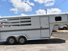 New 2018 Bee 3HGNSL 3 Horse Trailer with 2' Short Wall