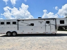 New 2018 Lakota BIGHORN 8316SRGLQ 3 Horse Trailer with 16' Short Wall