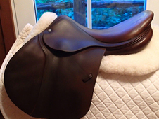 "Beautiful 17. 5"" Devoucoux Biarritz Saddle 2002 2A"