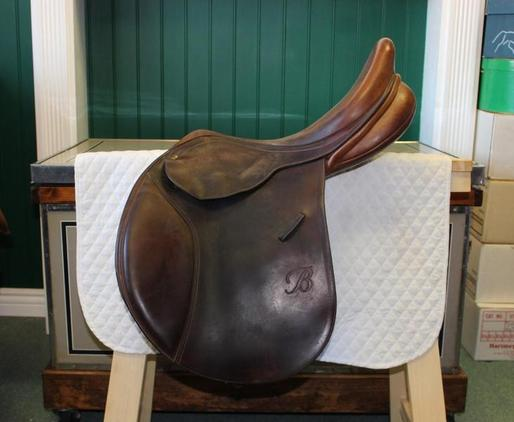 Bates English Jumping Saddle Exchangeable Gullet 17