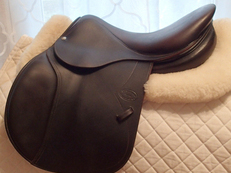 "Gorgeous 16.5"" Devoucoux Socoa Full Buffalo Saddle 2010"
