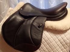 "Stunning 17.5"" Voltaire Palm Beach Full Buffalo Saddle 2016 2A"