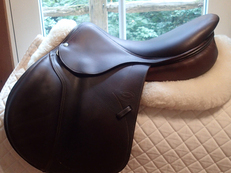 "Gorgeous buttery soft 17.5"" Devoucoux Socoa Full Buffalo Saddle 2008 2A"
