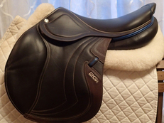 "18"" CWD Mademoiselle ""Miss"" 2Gs Full Buffalo Saddle 2017 2L"