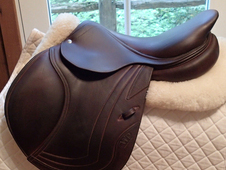 "Stunning 17"" CWD Full Buffalo Saddle 2015 2C"