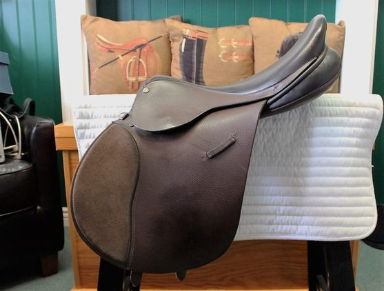 Reduced! Ainsley All Purpose English Saddle 17.5