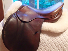 "Nice older model 17"" Antares Full Buffalo Saddle 2004"