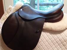 "Beautiful 17"" CWD Saddle 2013 2L"