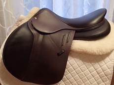 "Pristine 17.5"" Devoucoux Biarritz Lab Saddle with D3D Technology 2016 3A"