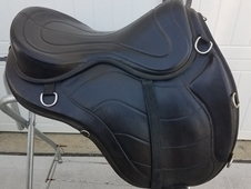 "17"" Freeform Treeless Endurance Trail Saddle"