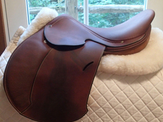 "Amazingly gorgeous 16"" Hermes Essentielle Buffalo Saddle 2007"