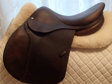 "16.5"" Devoucoux Biarritz Full Buffalo Saddle 2011"