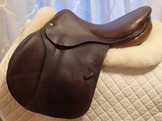 "16.5"" Devoucoux Biarritz Full Calfskin Saddle 2007"
