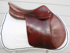 "Amerigo Close Contact 16.5"" Jumping saddle"