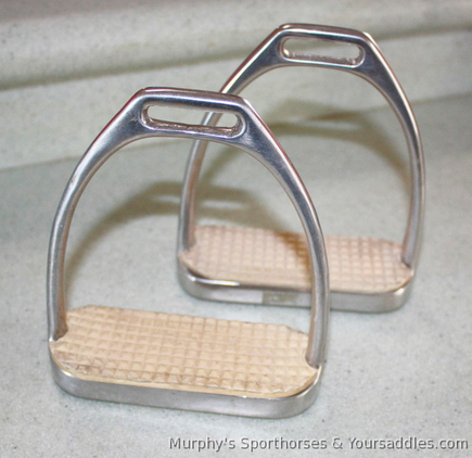 English Fillis style Stirrup Irons and Flexible / Jointed stirrup irons