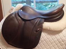 "Beautiful 17.5"" CWD Full Calfskin Saddle 2013 3C"