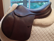 "Gorgeous 17.5"" Devoucoux Biarritz Saddle with D3D Technology 2015 2A"