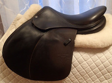 "16.5"" Voltaire Palm Beach Saddle 2016"
