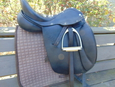 Custom Saddlery Steffen Peters' Advantage Dressage Saddle 17. 5 ins