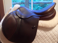 "Beautiful 18"" CWD Saddle 2013 3C"