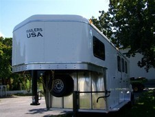 2014 Trailers USA w5'6 DR 3 horse trailer